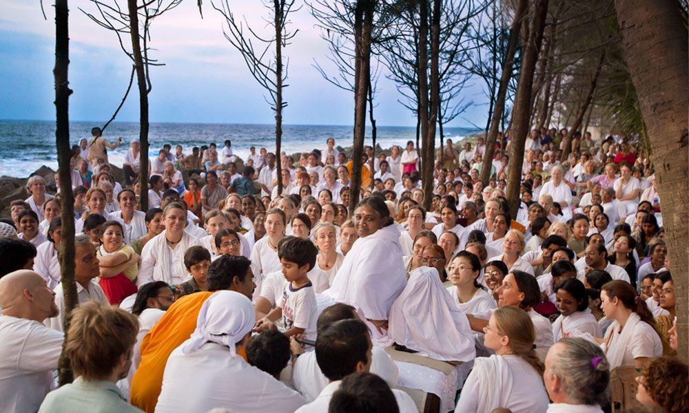 meditación en amma ashram
